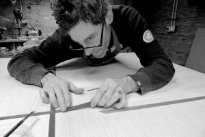 Mike van Sleen dans l'atelier